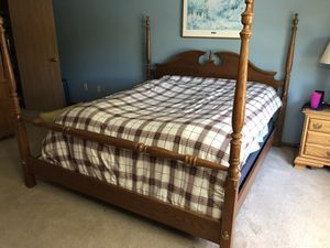 Solid Oak King Poster Bed - Headboard/Footboard and Frame for Sale in NY, US