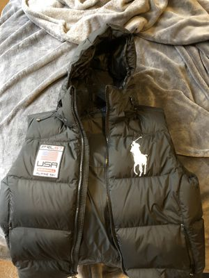 Black polo vest adult medium detachable hood for Sale in Mattawan, MI