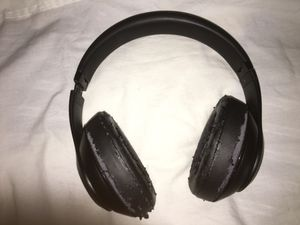 beats studio 3 wireless for Sale in Stoughton, MA