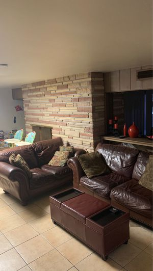 Living room set (fairly used still in good condition) $750 or best offer for Sale in Phoenix, AZ