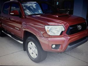 Short Bed 2o13 Toyota tacoma pre runner Crew Cab Pickup for Sale in Grand Rapids, MI