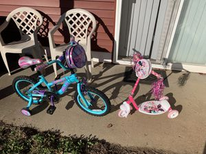 Girl bike with Mini Mouse scooter for Sale in Nashville, TN