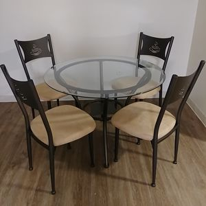 Kitchen table with chairs for Sale in Cambridge, MA
