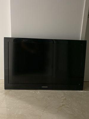 """37"""" Samsung TV for Sale in Miami, FL"""