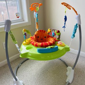 Fisher Price Roaring Rainforest Jumperoo for Sale in Westford, MA