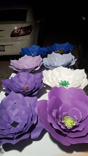 Extra large paper flowers for Sale in West Puente Valley, CA