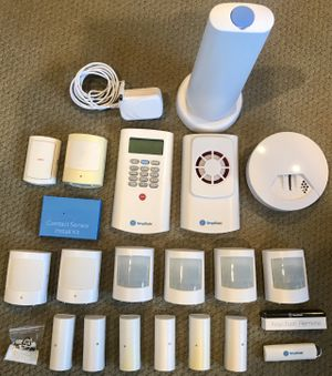 Simplisafe Wireless Deluxe Home Alarm Security System 20 Pieces for Sale in Lakewood, CA
