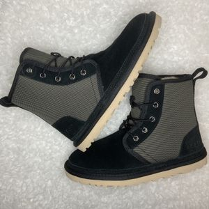 UGG Harkley Chukka Boots for Sale in Fort Worth, TX