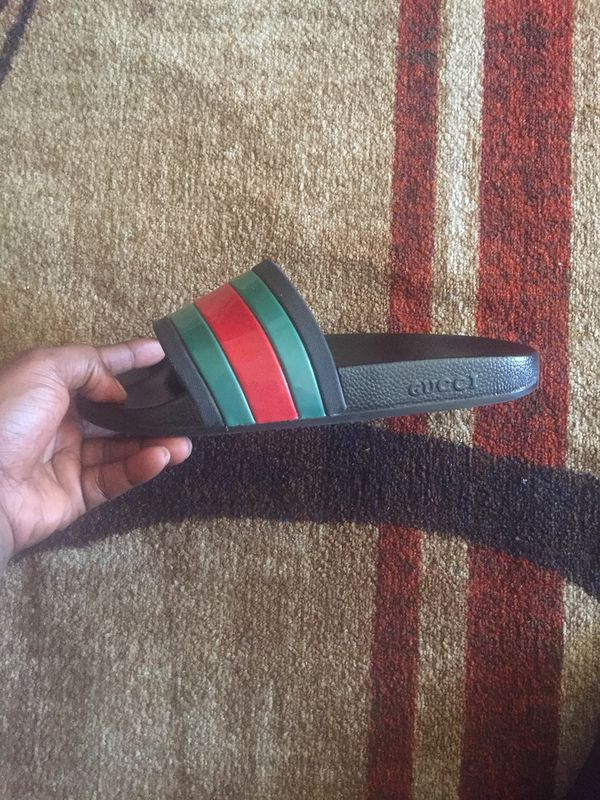 Gucci slides (used)
