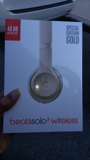 New Beats Solo 3 Wireless Gold for Sale in Brooklyn, NY