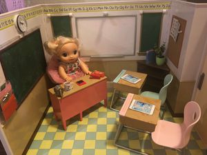 Doll school house. Everything works. for Sale in Bee Cave, TX