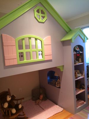Trade winds dollhouse bunk bed for Sale in Seattle, WA