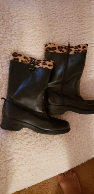 Girls size 4 boots for Sale in Darby, PA