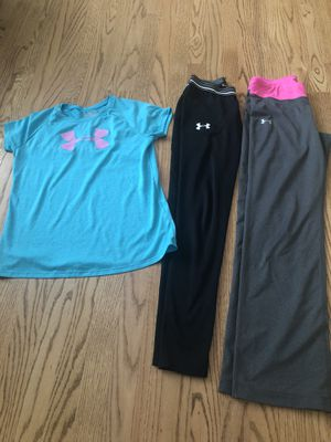 Under armor size YLG ( size 12-14 kids) for Sale in Bloomingdale, IL
