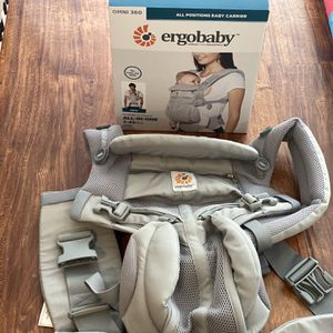 Ergobaby OMNI 350 baby carrier for Sale in San Francisco, CA
