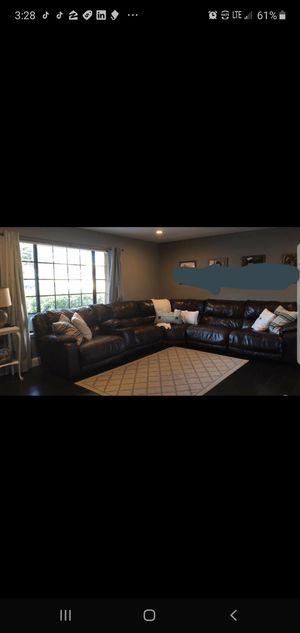 Large sectional couch Brown. for Sale in Santa Maria, CA