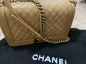 Chanel boy Bag Medium for Sale in Bellaire, TX