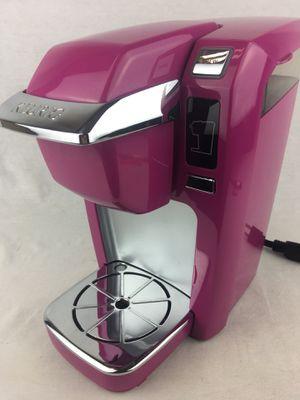 Keurig K10 / B31 Mini Plus Single Serve K-Cup Coffee Maker - Pink Clean Fuchsia for Sale in Lake Elsinore, CA