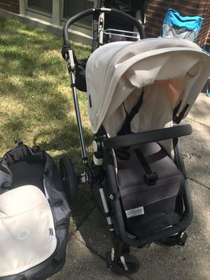 Bugabo Cameleon Stroller with bassinet, car seat adapter, coffee holder and storage bag for Sale in Chicago, IL