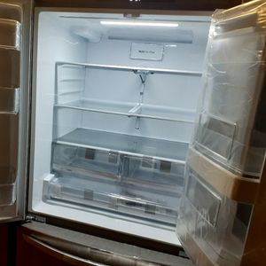 New LG InstaView French Door Refrigerator for Sale in Los Alamitos, CA