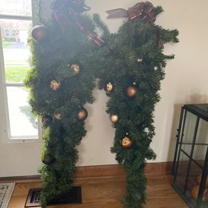 Free Set Of 2 HOLIDAY SWAGS for Sale in Yorkville, IL