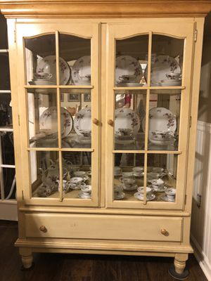 China Hutch for Sale in Denton, NC