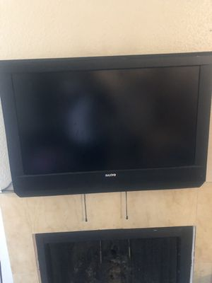 (2) 32 inch Sanyo TVs Each for 60$ Both 100$ for Sale in Houston, TX