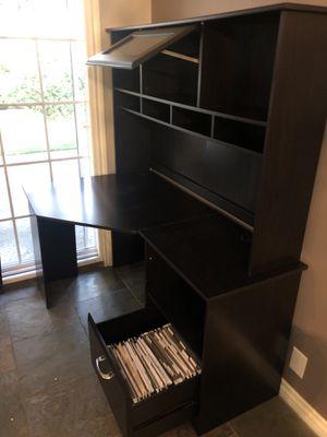 Corner Desk with Hutch for Sale in Glendora, CA