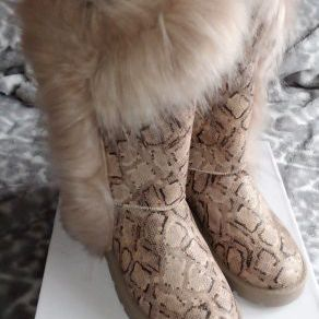 Women Fur Boots Size 10 Or 10.5 Brand New for Sale in Smyrna, GA