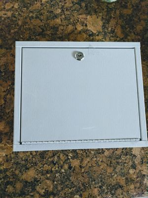 Wall mount lock box with keys for Sale in Fresno, CA