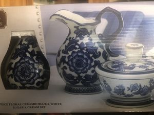 2 piece floral ceramic cream and sugar set for Sale in Santa Maria, CA