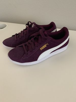 Puma women's footwear sneakers 6.5 6 1/2 for Sale in San Diego, CA