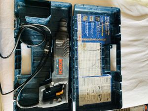 """BoSch bulldog 8 amp 1"""" corded variable speed sds plus concrete /masonary rotary hammer drill for Sale in Waltham, MA"""