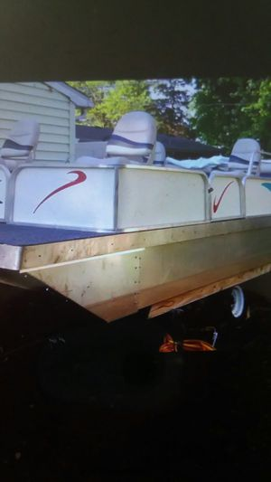 16 foot pond pontoon boat for Sale in Joliet, IL