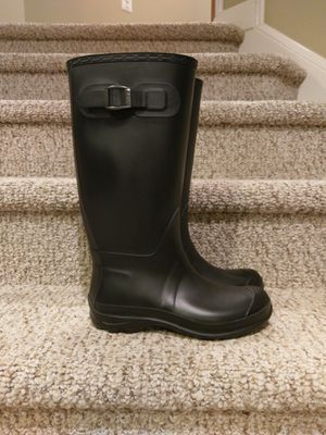 New 8 Women's RAIN BOOT with Buckle for Sale in Woodbridge, VA