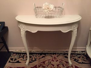 Shabby chic half moon table for Sale in NY, US