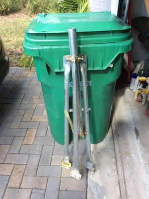 Tripod-satellite or other for Sale in Coral Springs, FL