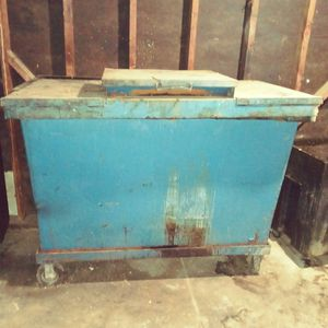 Grease Container for Sale in Los Angeles, CA