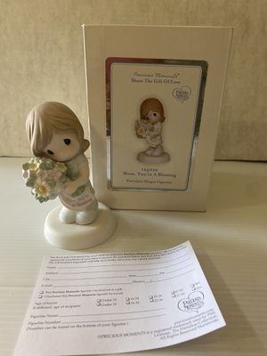 """Precious Moments """"Mom, You're A Blessing"""" Porcelain Bisque Figurine 124020 (NEW) for Sale in Los Angeles, CA"""