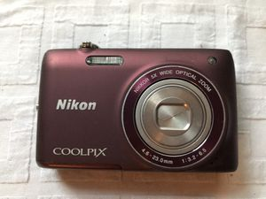 Nikon coolpix digital camera With accessories & case for Sale in Long Beach, CA