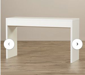 White console table/ tv stand for Sale in New York, NY