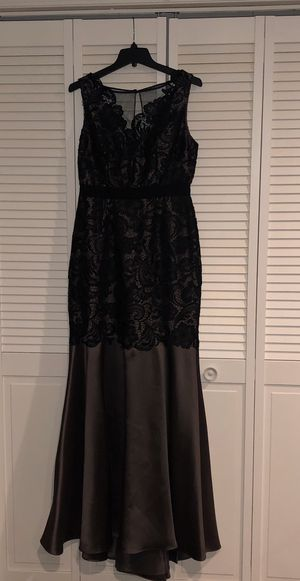 EVENING DRESS Size 8 for Sale in Orland Park, IL