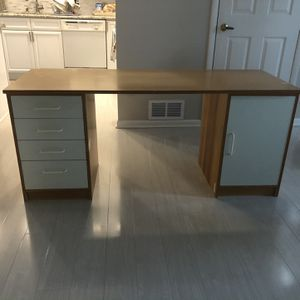 IKEA Desk 4 Drawers and 2 Shelves for Sale in Little Falls, NJ