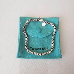"""TIFFANY & Co Venetian Link Bracelet 7.5"""" W/Pouch for Sale in Gilbert, AZ"""