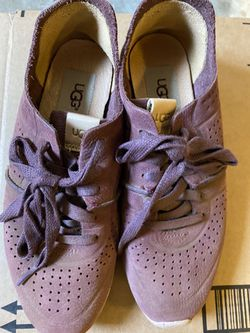 UGG Nice, Soft Walking Shoes Purple for Sale in Cupertino,  CA