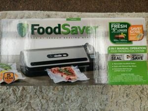 New FoodSaver 2-In-1 Food Preservation Vacuum Sealer System - Silver for Sale in Coachella, CA