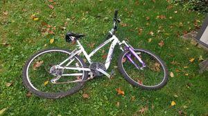 Schwinn womens bike for Sale in Silver Spring, MD