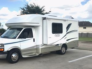 2005 trail-light by R-Vision B+ motor home for Sale in Houston, TX