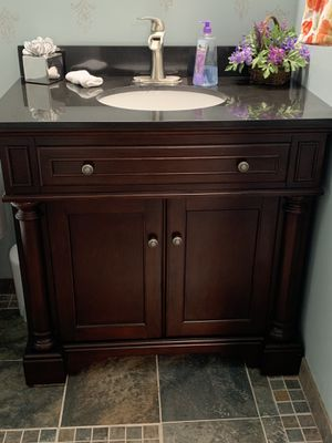 allen + roth Albain Auburn Vanity with Black Granite for Sale in Herndon, VA
