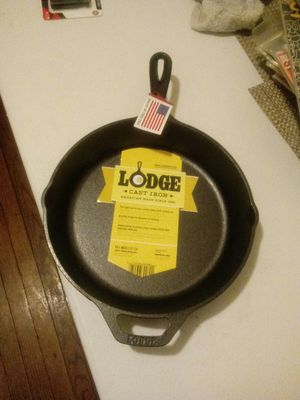 Lodge 10.25 Cast Iron Inch Skillet for Sale in Washington, DC